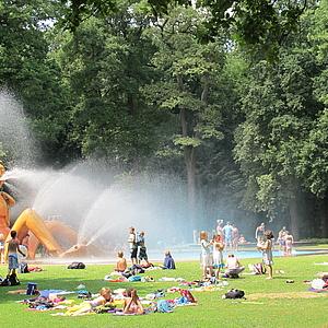 Wasserspielplätze eröffnen