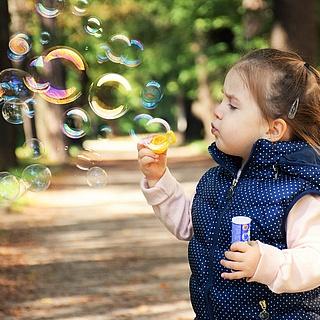 Kinder spielen immer weniger draußen