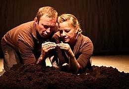 10 finger Theatre: Life - a MudPie