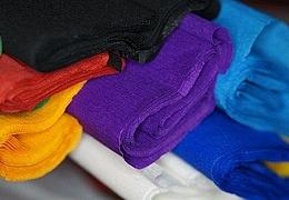 Städel Atelier zu Hause: Modische Kopfbedeckung