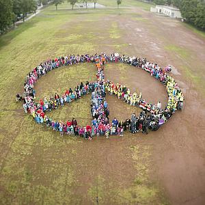 Hochheimer Kinder setzen Zeichen für Frieden