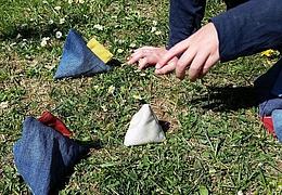 Experiment für Zuhause: Tetraeder-Boccia