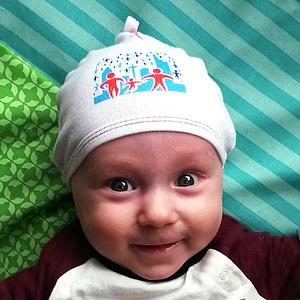 Gut behütet mit Babymützchen
