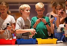Aktionsmittwoch in der Kinderwerkstatt: Sprichwortbuttons selbst gemacht