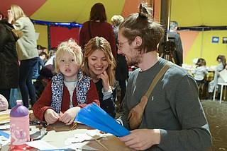 Altstadtfest: Minischirn Familienworkshop
