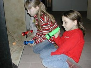 entdeckt die veranstaltung familien taschenlampen f hrung. Black Bedroom Furniture Sets. Home Design Ideas