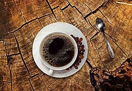 Frühstück in der Dunkelbar