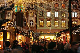 Historischer Weihnachtsmarkt auf dem Domplatz