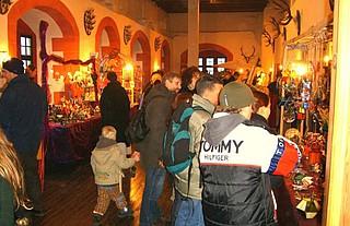 Historischer Weihnachtsmarkt auf der Ronneburg