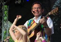 Mainz lebt auf seinen Plätzen: Kinderlieder zum Einsteigen und Abfahren
