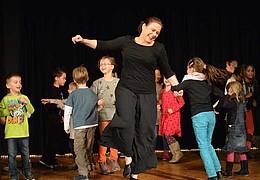 Mitspieltheater – Märchen-Karussell