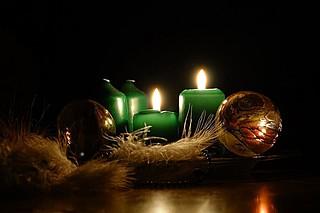 Seht, die zweite Kerze brennt!