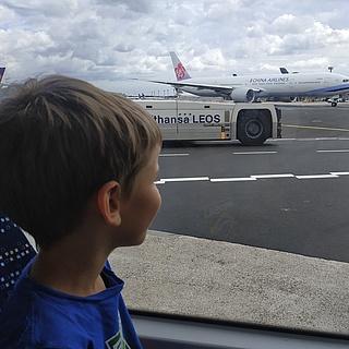 Mit Kindern den Frankfurter Flughafen erleben