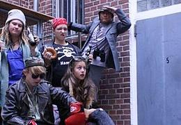 Jugendliche spielen für Jugendliche: Die Müllkrieger