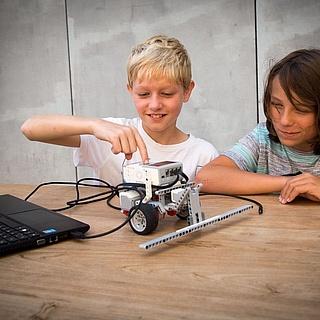 Feriencamp in Frankfurt: Robotik mit LEGO Mindstorms – Einführung