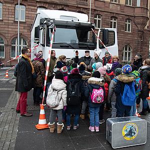 "Aktion: ""Frankfurter Kinder - raus aus dem toten Winkel"""